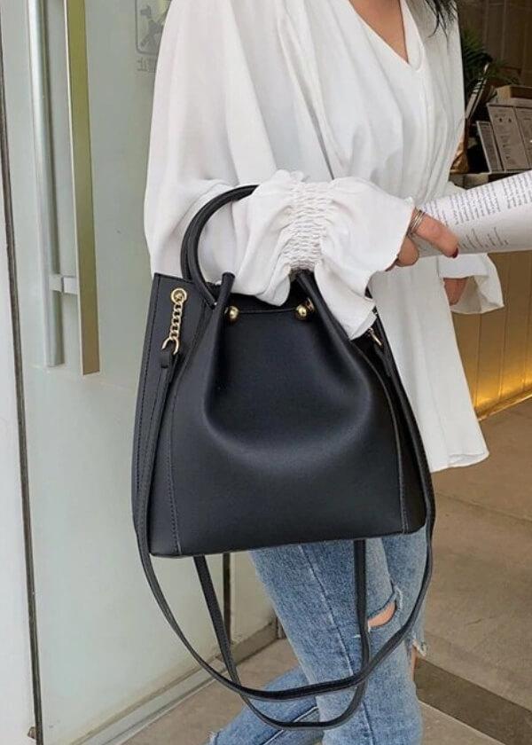 Elegantná, ale aj špostová dámska kabelka.