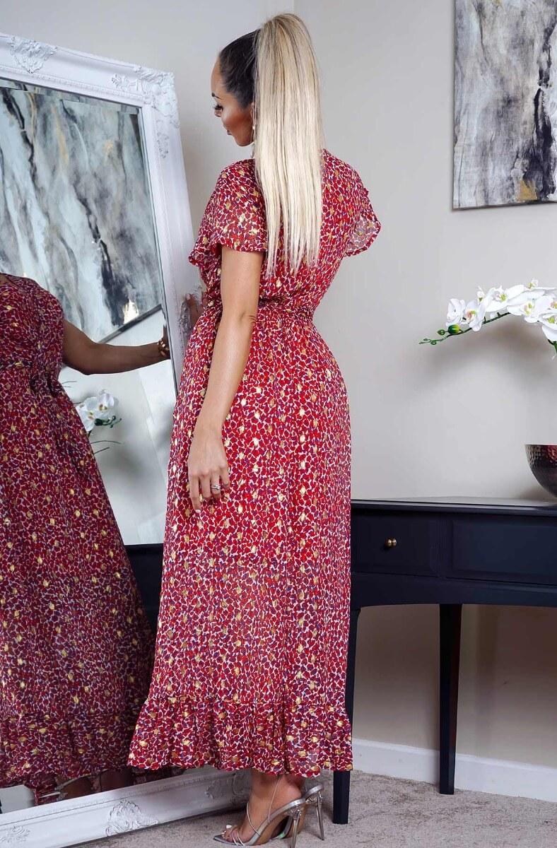 Červené vzorované maxi šaty s opaskom.