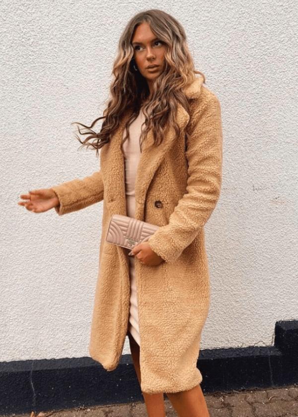 Krásny teplý dlhý teddy oversize kabát svetlohnedý karamelovy.